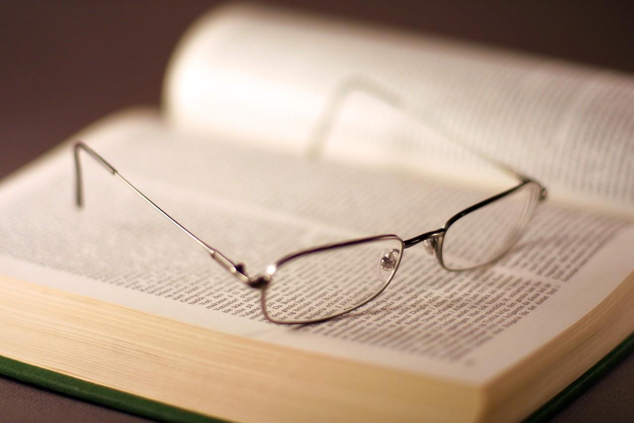 Kiedy warto skorzystać z usług biura tłumaczeń?